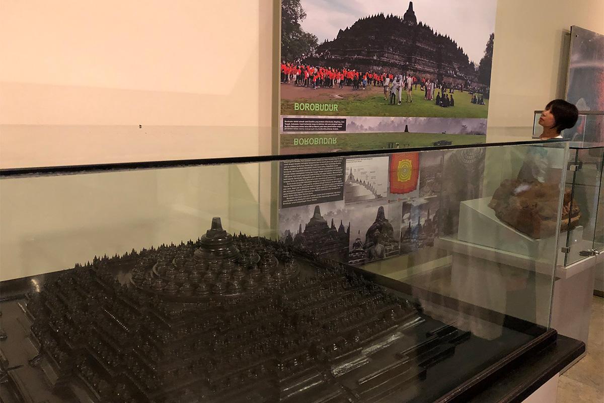 インドネシア国立博物館,ジャカルタ,ぶらり旅,バスツアー