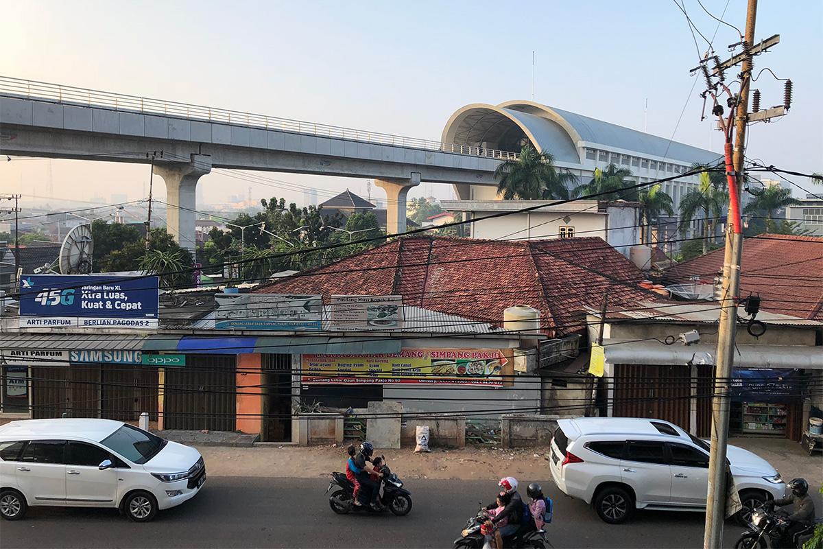 インドネシア,スマトラ島,パレンバン,電車